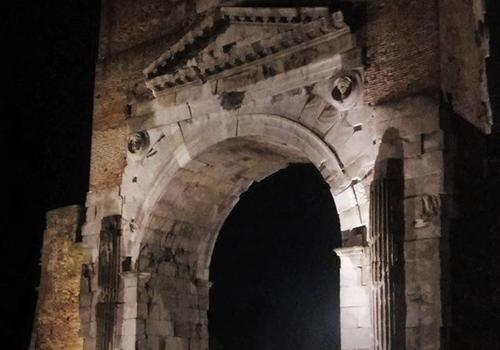 L'arc d'Auguste de Rimini
